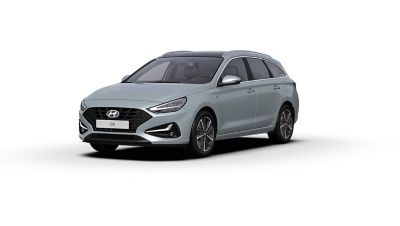 Front side view of the new Hyundai i30 Wagon in the colour Platinum Silver Grey.