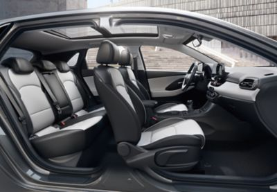 Interior view of the new Hyundai i30 Wagon, as seen from the passenger side.